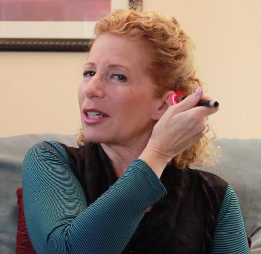 Using the e-Tox Laser on Yourself with Sandi Radomski screenshot